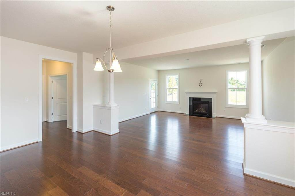 17. Residential for Sale at MM Linden @ Cypress Creek Smithfield, Virginia 23430 United States