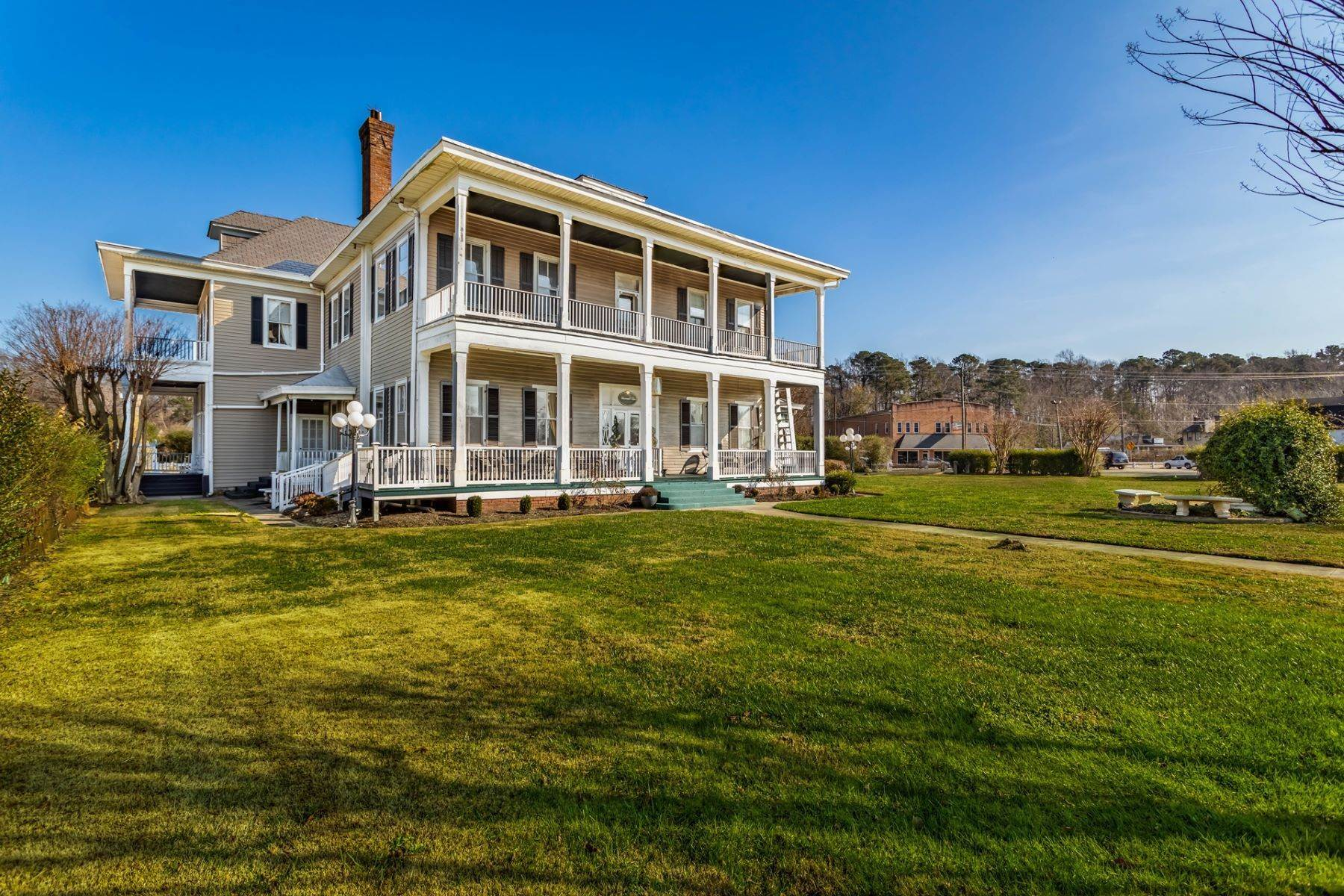 Property for Sale at Historic Boxwood Inn 10 Elmhurst Street Newport News, Virginia 23603 United States